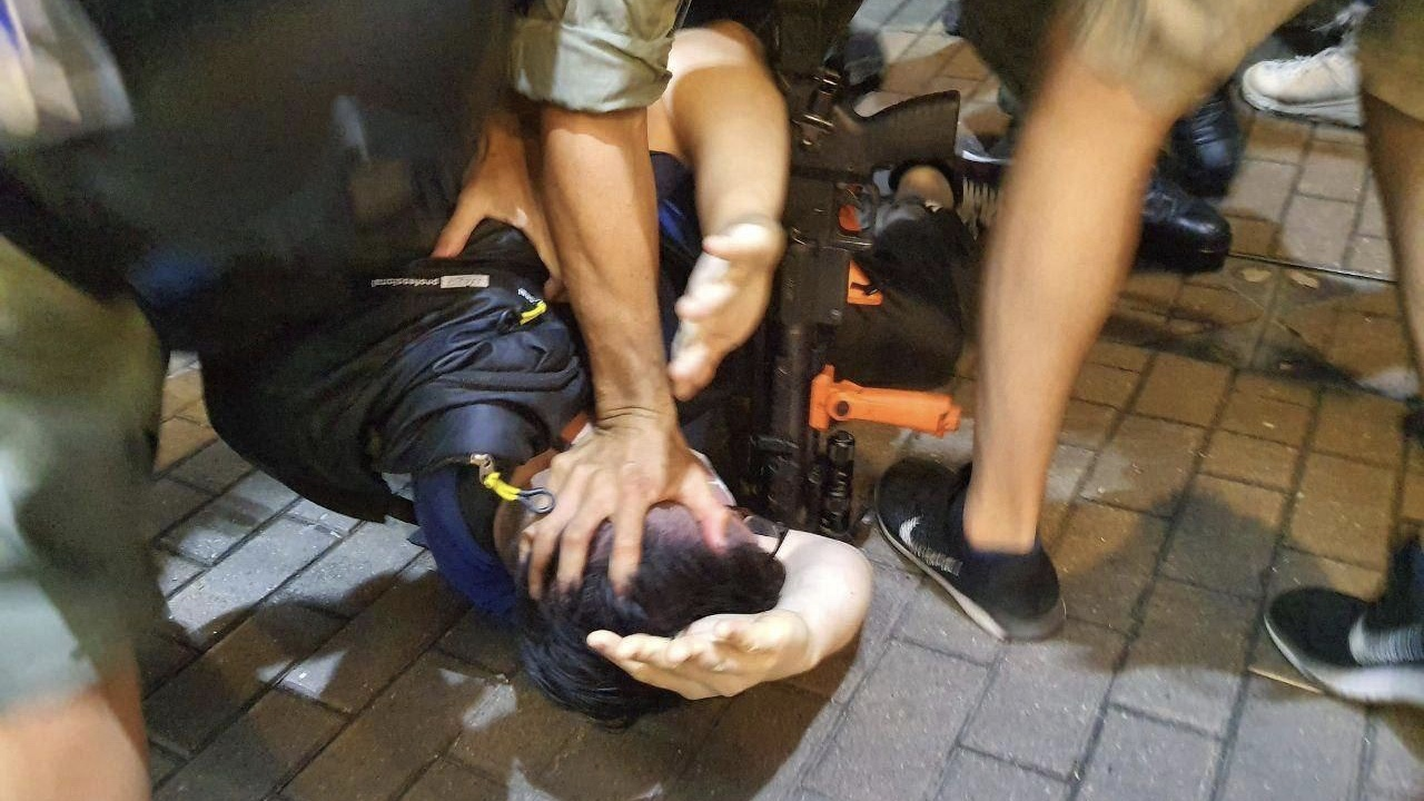 Police brutality in Hong Kong on Mother's Day