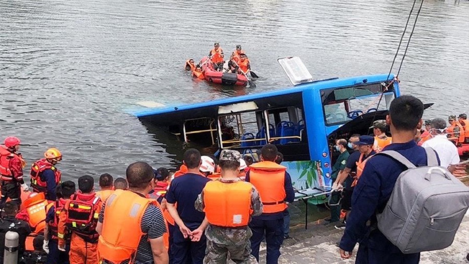Another Bus Crash under the CCP's ruling causing 21 death