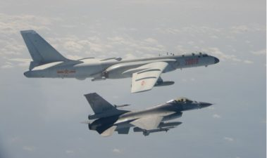 [Headline News] China Sends Largest Group of Military Aircrafts Near Taiwan